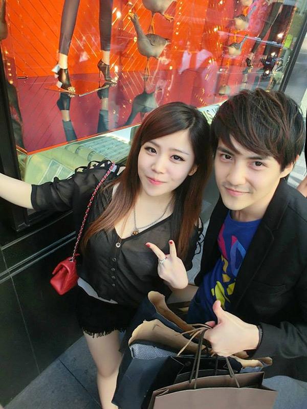 Em gái Ông Cao Thắng rất trẻ trung, xinh đẹp, gương mặt đậm nét Á Đông, có nhiều điểm giống anh trai.