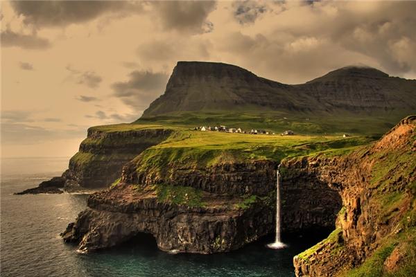 Gasadalur, Quần đảo Faroe (Ảnh: Internet)