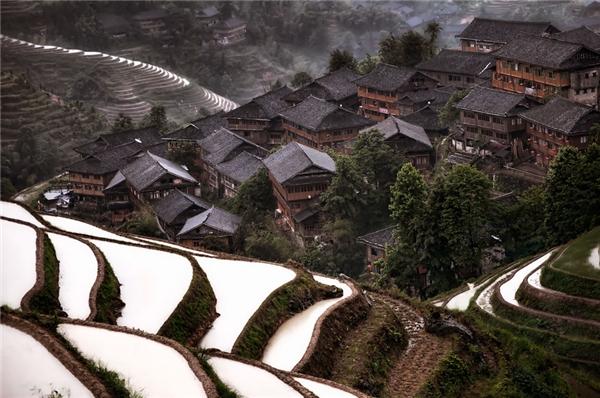 Làng trên núi ở Trung Quốc (Ảnh: Christian Ortiz)
