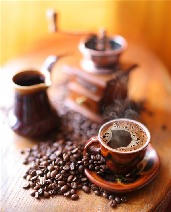 Vừa pha cà phê xong hãy tranh thủ thưởng thức ngay và luôn nhé. (Ảnh: bp.blogspot)