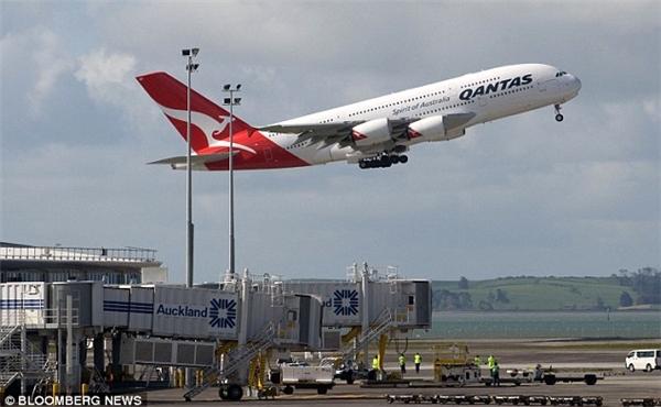 Cuối cùng máy bay cũng có thể cất cánh nhưng đã bị muộn mất 2 tiếng. (Ảnh: Internet)
