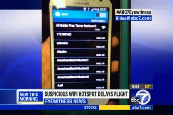 Hành khách phát hiện tên thiết bị phát Wi-Fi đáng ngờ khi máy bay đang chạy trên đường băng. (Ảnh: Internet)