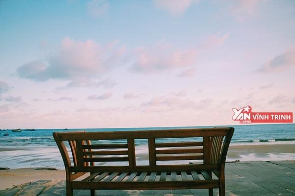 Ngồi đây ngắm biển thì chuẩn thôi rồi!