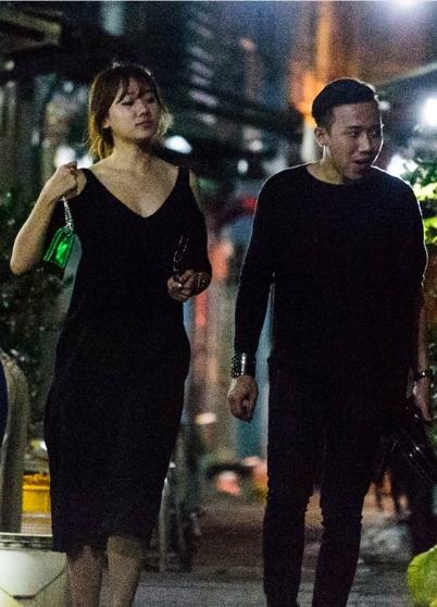 Cả hai cùng chọn trang phục mang gam màu đen trong buổi hẹn hò vào ngày Valentine. - Tin sao Viet - Tin tuc sao Viet - Scandal sao Viet - Tin tuc cua Sao - Tin cua Sao