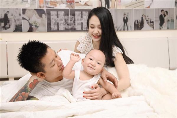 Tuấn Hưng sẵn sàng chăm nom Su Hào trong lúc vợ bận bịu với công việc kinh doanh. - Tin sao Viet - Tin tuc sao Viet - Scandal sao Viet - Tin tuc cua Sao - Tin cua Sao