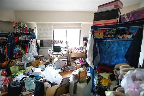 Đây là căn phòng của một cô gái có tên facebook Hinata Osaki được một nhiếp ảnh gia người Trung Quốc chụp lại.