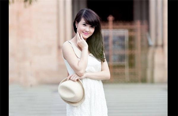Hình ảnh Khánh Chi thời mới nổi.