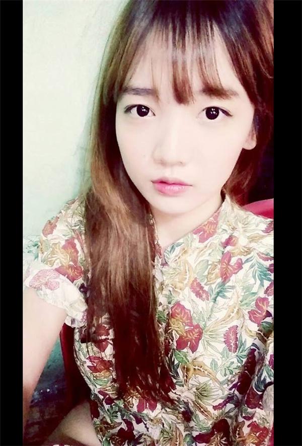 """Khá thẳng tính và vui vẻ, nhưng """"người đẹp Hàn Quốc"""" rất kín tiếng về những người thân trong gia đình. Trong một vài lần hiếm hoi, cô nàng mới """"để lộ"""" dung nhan người em gái thân thiết Rudya Yoo."""