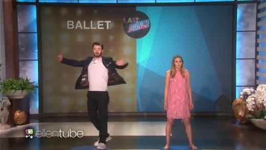 """""""Captain America"""" Chris Evans khoe tài lẻ vũ đạo """"đốn tim"""" chị em"""