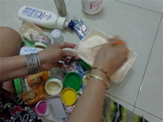 Quá trình sản xuất kem trộn cực kì đơn giản.(Ảnh: Internet)