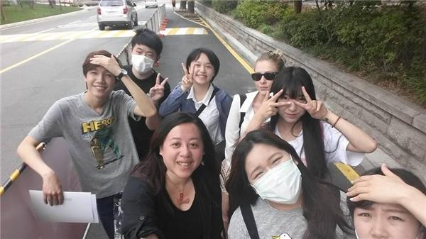 An Ninh cùng bạn bè tại trường đại học.(Ảnh: FBNV)