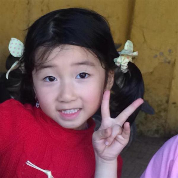 Nguyễn Thị Huyền cho biết, chị đặt tên con là Tống Khánh Linh vì chị rất hâm mộ nhân vật nổi tiếng này. - Tin sao Viet - Tin tuc sao Viet - Scandal sao Viet - Tin tuc cua Sao - Tin cua Sao
