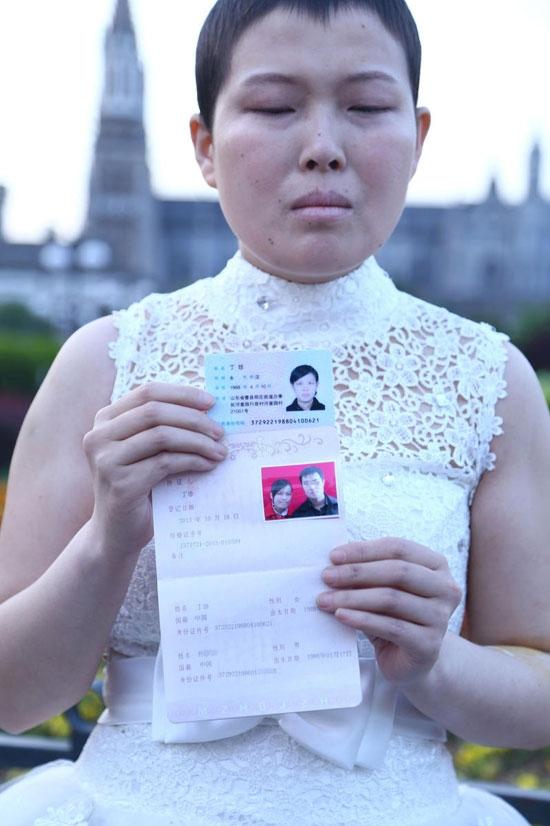 Nhiều người không cầmđược nước mắt với câu chuyện buồn của cô gái 28 tuổi. (Ảnh: Internet)