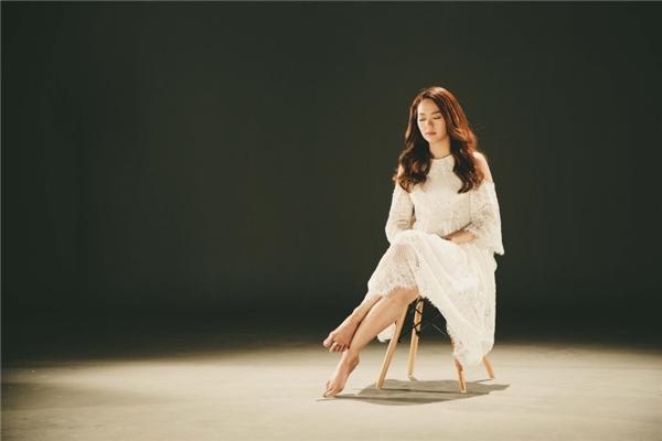 """Minh Hằng """"xí phần"""" hát nhạc phim do mình đóng chính"""