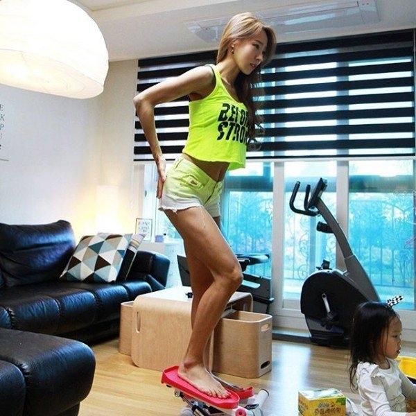 Choáng với thân hình gợi cảm của bà mẹ 2 con xứ Hàn