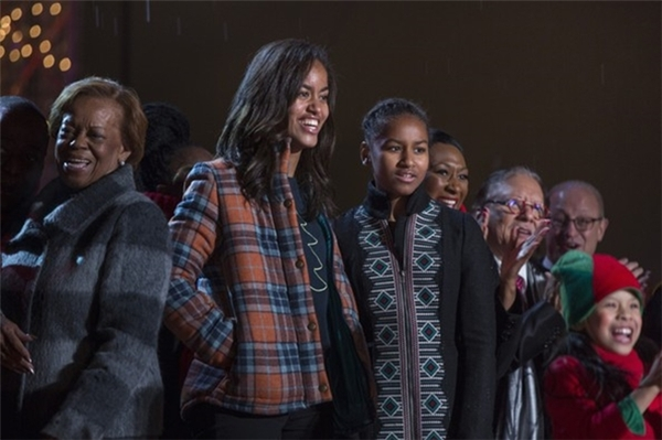 """Tuy 2 cô bé ấy là con của Barack Obama thật đấy, nhưng đừng mãi gọi họ là """"con gái của Tổng thống""""!"""