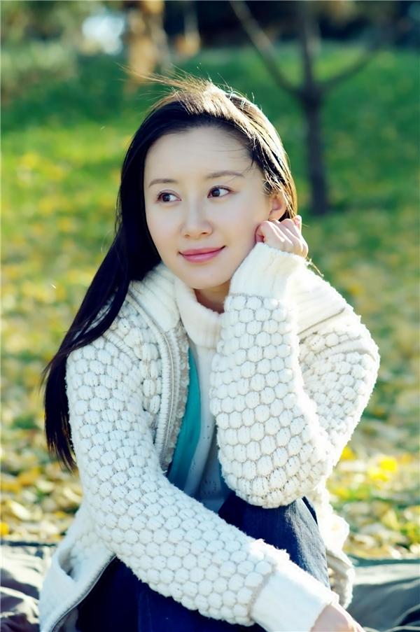 Mĩ nhân Hoa ngữ bị chê già chát dù chưa đến 30 tuổi