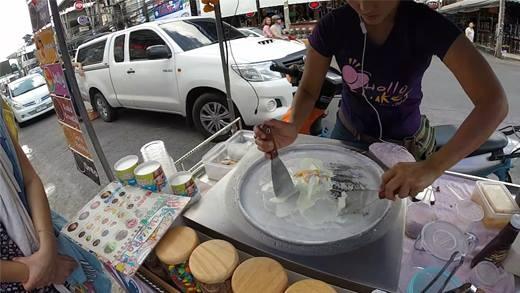 """Kem cuộn Thái Lan - """"báu vật"""" của những người mê kem"""