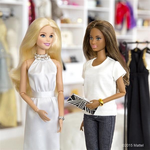Đi mua sắm sành điệu như một quý cô. (Ảnh: Internet)