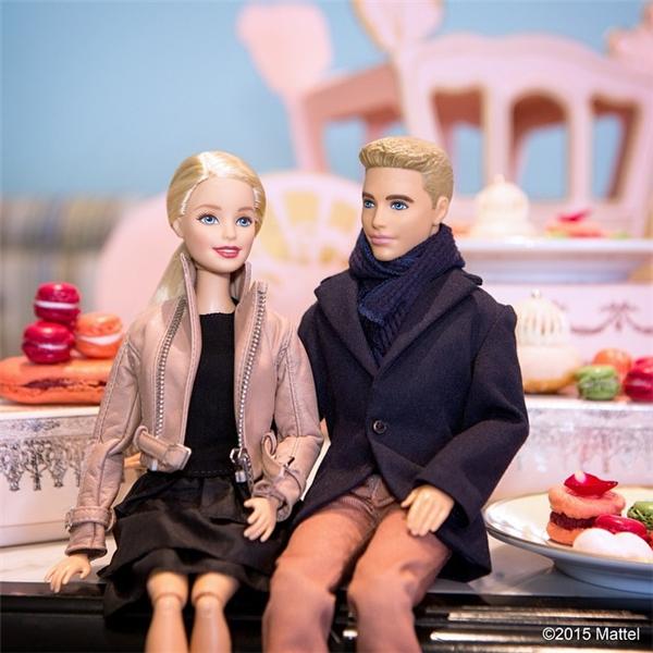 Qua mặt các cô gái thời hiện đại, Barbie còn có một chàng hoàng tử thực thụ bên cạnh mình. (Ảnh: Internet)