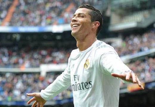 Ronaldo cán mốc 200 bàn cho Real tại Bernabeu
