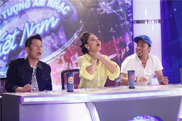 """Biểu cảm """"khó đỡ"""" của ba vị giám khảo khiến khán giả bật cười. - Tin sao Viet - Tin tuc sao Viet - Scandal sao Viet - Tin tuc cua Sao - Tin cua Sao"""