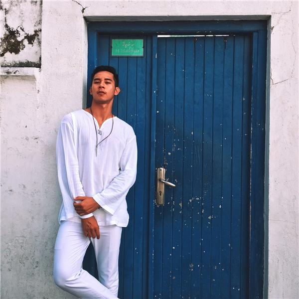 """Bỏ hết ảnh """"nóng"""", Instagram Hồ Vĩnh Khoa còn lại gì?"""