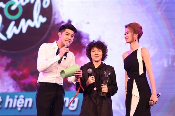 Tiên Tiên tại lễ trao giải Làn Sóng Xanh 2015. - Tin sao Viet - Tin tuc sao Viet - Scandal sao Viet - Tin tuc cua Sao - Tin cua Sao