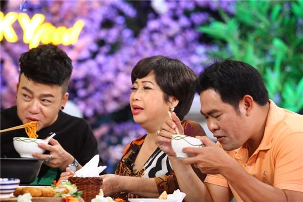 Nữ diễn viên hài Phi Phụng trong một cảnh quay. - Tin sao Viet - Tin tuc sao Viet - Scandal sao Viet - Tin tuc cua Sao - Tin cua Sao
