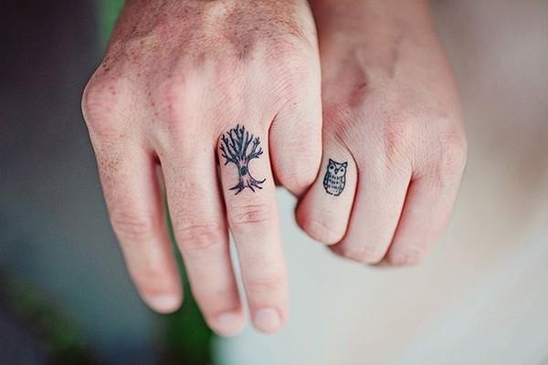 1. Hình xăm đơn giản mà cá tính dành cho cặp đôi yêu thiên nhiên.