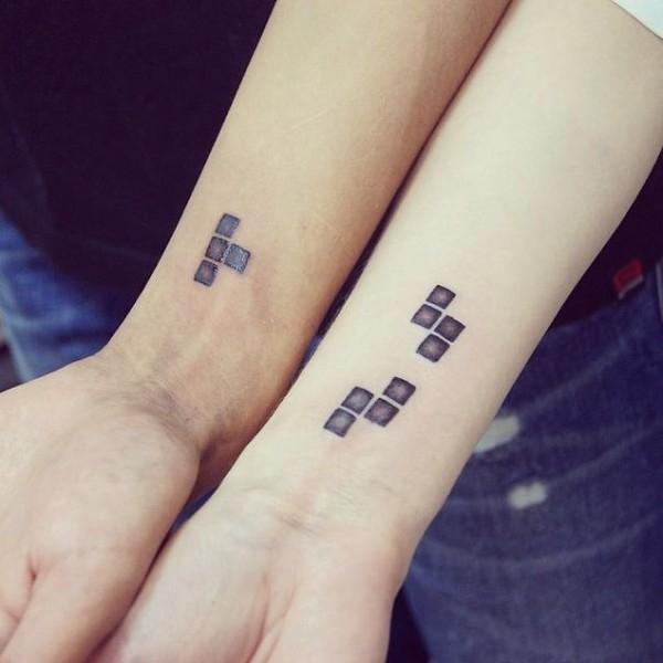 4. Chúng ta là những mảnh ghép khác biệt nhưng khi bên nhau luôn gắn bó và khăng khít.