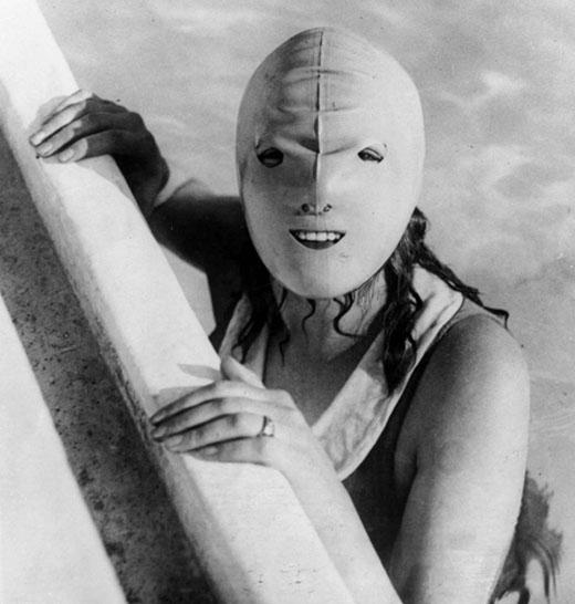 Phụ nữ châu Âu cũng từng sử dụng phương pháp mặt nạ này.