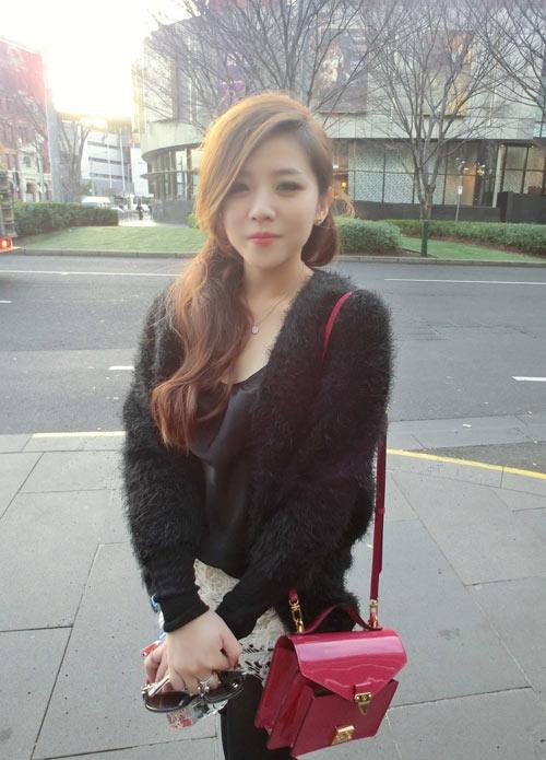 Sản phẩm Louis Vuitton Monceau BB sành điệu có giá hơn 38 triệu đồng. - Tin sao Viet - Tin tuc sao Viet - Scandal sao Viet - Tin tuc cua Sao - Tin cua Sao