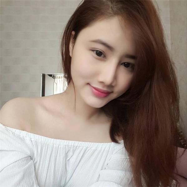 Trang Linh gây ấn tượng mạnh với người hâm mộ bởi nước da trắng mịn cùng nụ cười xinh xắn. - Tin sao Viet - Tin tuc sao Viet - Scandal sao Viet - Tin tuc cua Sao - Tin cua Sao