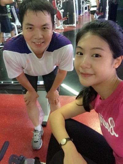 Ngoàicông việc chuyên môn, Đông Phương thường dành thời gian đến phòng tập gym để gìn giữ vóc dáng thon gọn. - Tin sao Viet - Tin tuc sao Viet - Scandal sao Viet - Tin tuc cua Sao - Tin cua Sao
