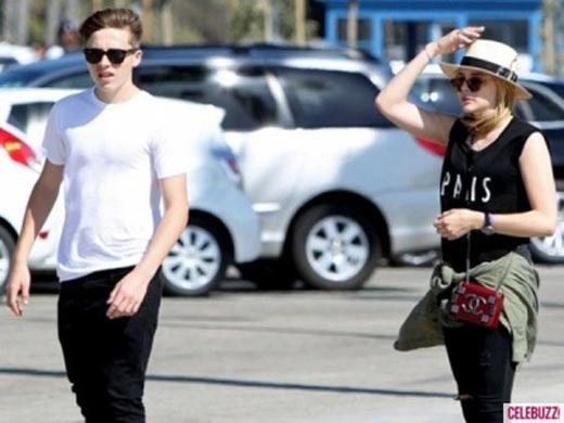 Brooklyn Beckham và Chloe Moretz bị bắt gặp bên ngoài