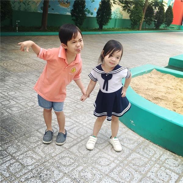 Hai thiên thần nhỏ nhà Lý Hải - Minh Hà càng lớn càng dễ thương, nhí nhảnh. - Tin sao Viet - Tin tuc sao Viet - Scandal sao Viet - Tin tuc cua Sao - Tin cua Sao