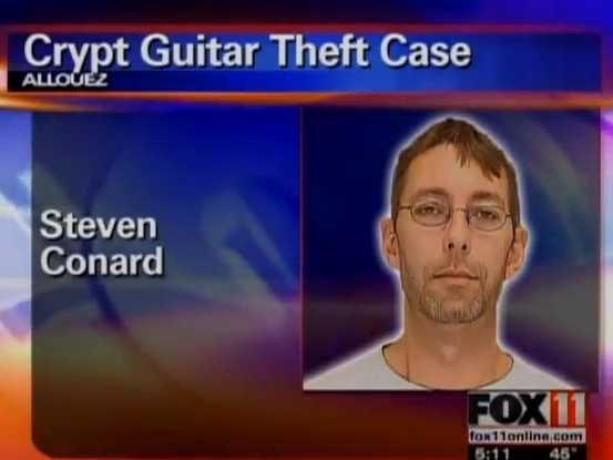 """Nhân viên nghĩa trang """"chôm"""" guitar đắt tiền. (Ảnh: wluk)"""