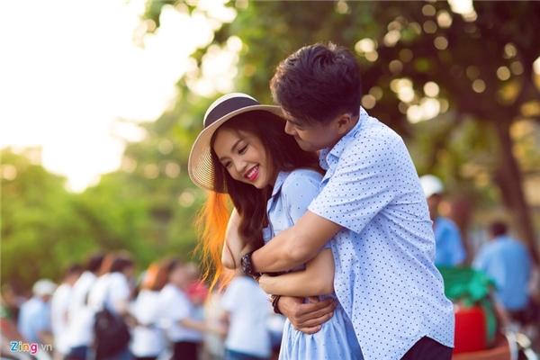 """Quang Tuấn và Linh Phi """"đưa nhau đi trốn"""" ở Hội An"""