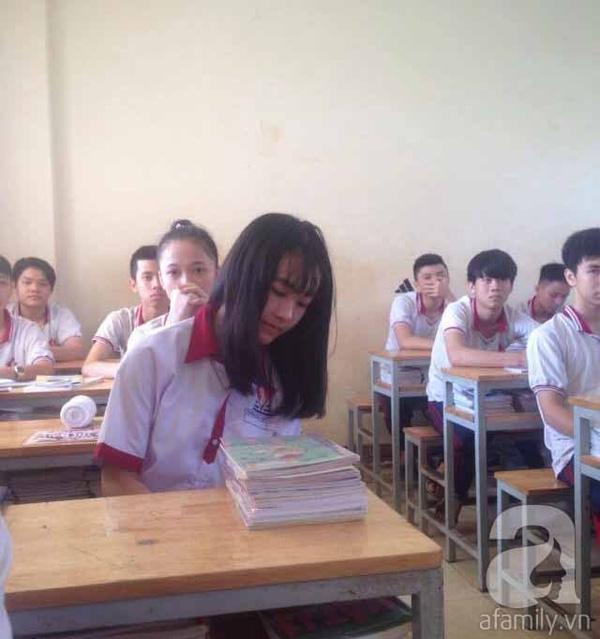 Hà Vi đã đi học trở lại ở mái trường mới.