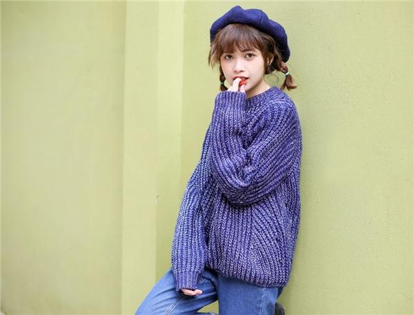 Mờ Naive được nhiều người yêu thích bởi giọng ca trong trẻo, ngọt ngào của cô. (Ảnh: Internet)