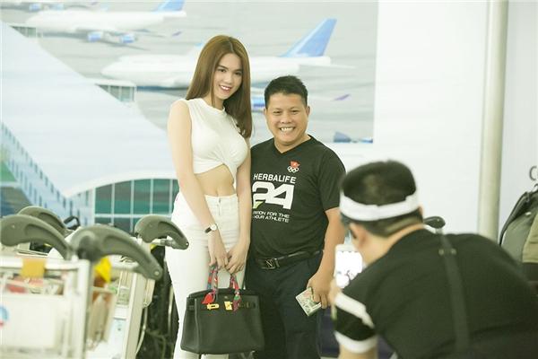 Ngọc Trinh và dàn mẫu Venus sang Singapore ghi hình cho ĐHCD 10