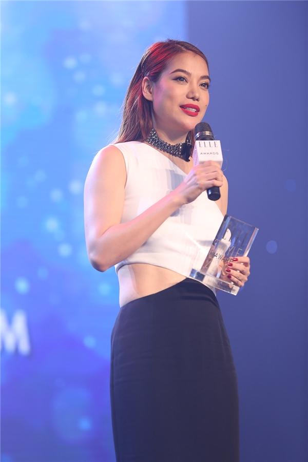 """Về phía diễn viên nữ, Trương Ngọc Ánh đã """"ẵm"""" giải thưởng trên. - Tin sao Viet - Tin tuc sao Viet - Scandal sao Viet - Tin tuc cua Sao - Tin cua Sao"""