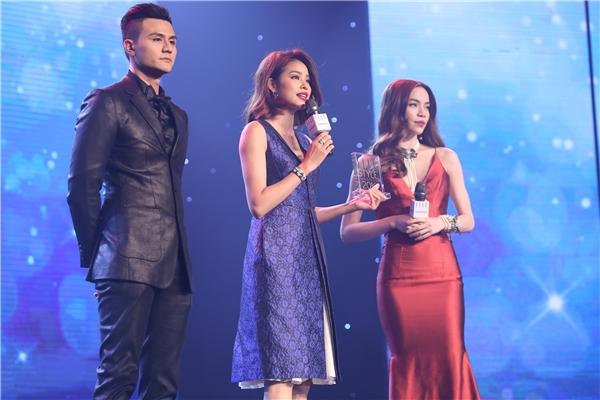 Gương mặt của năm: Hoa hậu Phạm Hương - Tin sao Viet - Tin tuc sao Viet - Scandal sao Viet - Tin tuc cua Sao - Tin cua Sao