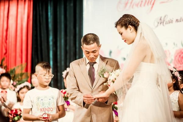 Lễ cưới ấm cúng tại bệnh viện của anh Dũng chị Hương. Ảnh: Tú Nguyễn.
