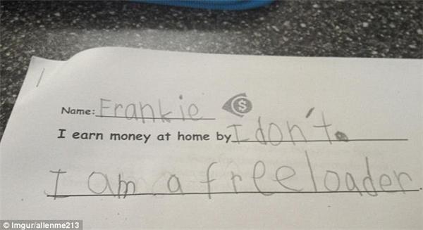 """Cậu béFrankie này đã rất hài hước khi nhận mình là """"kẻ ăn bám -free loader"""", khi nói mình không kiếm tiền được."""
