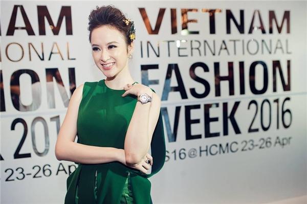 Những bộ cánh tiền tỉ sao Việt mạnh tay chi chỉ để diện một lần