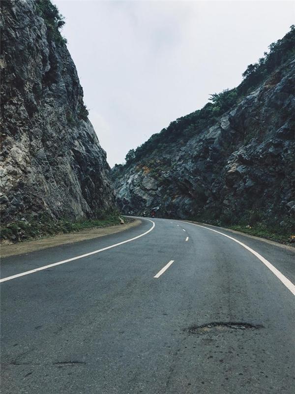 """Con đường tớiCát Bàđẹp """"mê hồn"""". (Ảnh: Tuấn Anh)"""