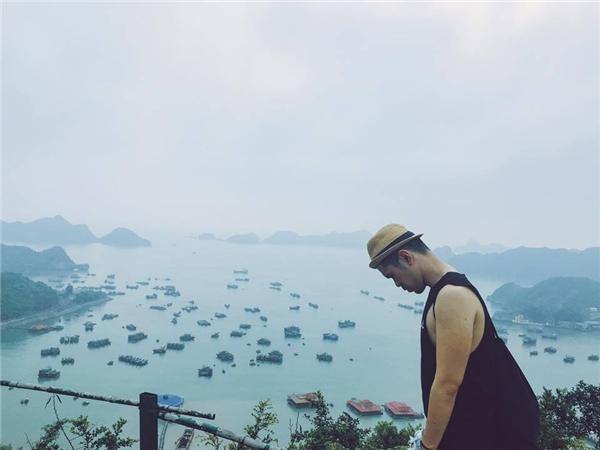 Bạn sẽ có dịp được ngắm nhìn toàn bộ quần đảo từ trên cao vô cùng đẹp mắt.(Ảnh: Tuấn Anh)