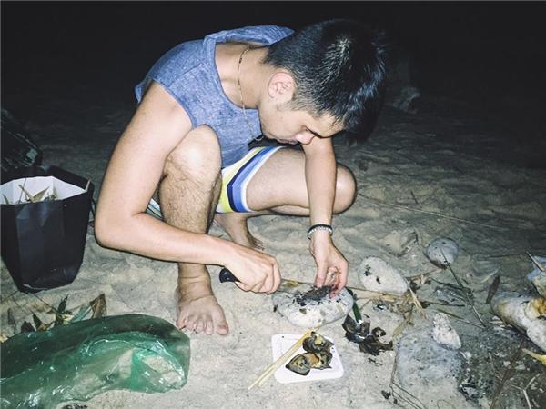Đã tới biển thì bạn nhất định phải ăn hải sản nhé. (Ảnh: Tuấn Anh)